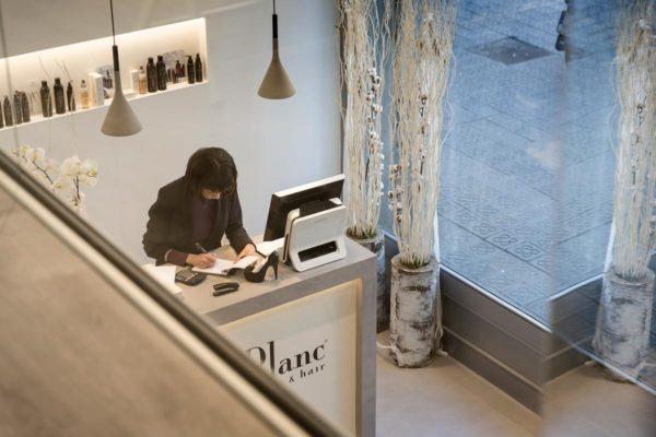Fotografias de interiorismo - Salón de belleza IsaacLeBlanc
